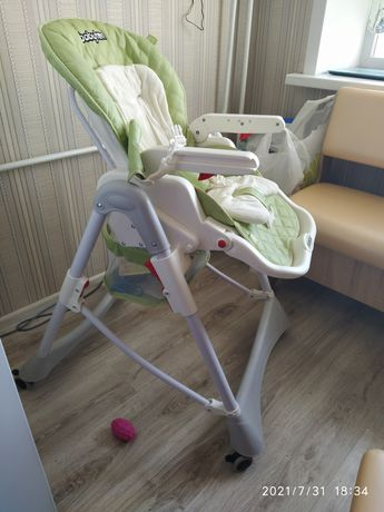 Детский стульчик Babytoon. В подарок новый комбинезончик
