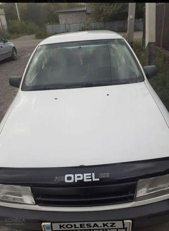 Продам срочно автомобиль OPEL vectra A