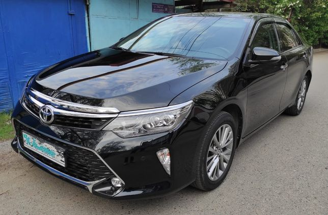 Toyota Camry 55 черная 2017 г.в.