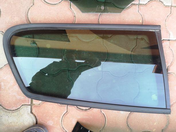 Vând geamuri Passat B7