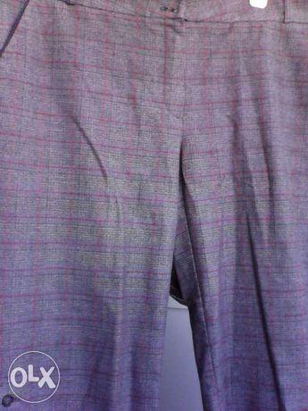 Pantalon trei sferturi