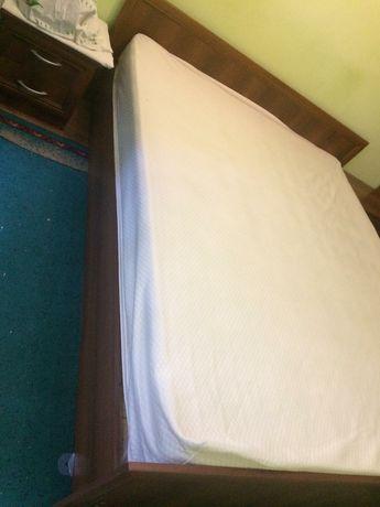Срочно продам кровать  и тумбу!