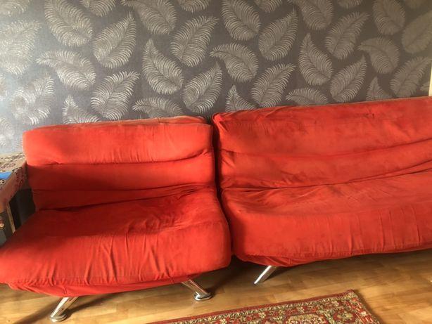 Продам диван для гостинной с 2мя креслами