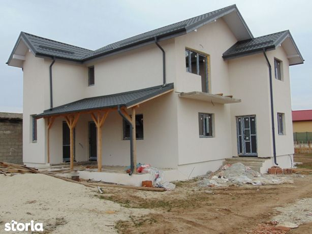 FARA COMISIOANE in Bacu casa cu 4 camere P+1+pod terasa LA CHEIE