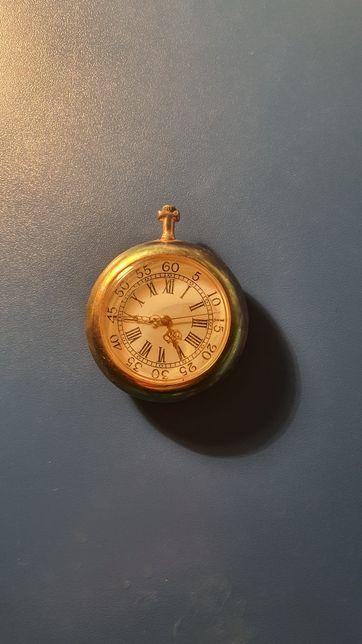 Vand ceas de buzunar editie rara. Limbile din aur