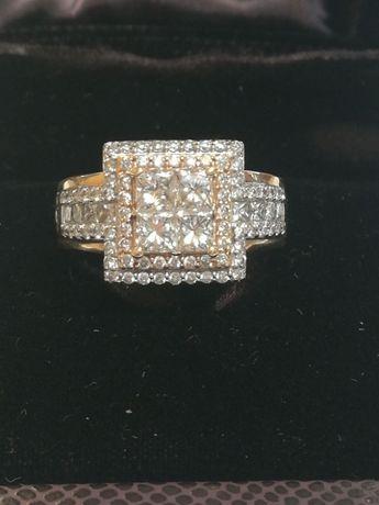 Продавам златен пръстен с диаманти