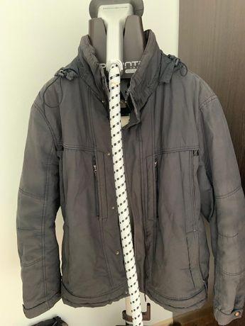 Куртка 56 размер 4500 кофта в подарок