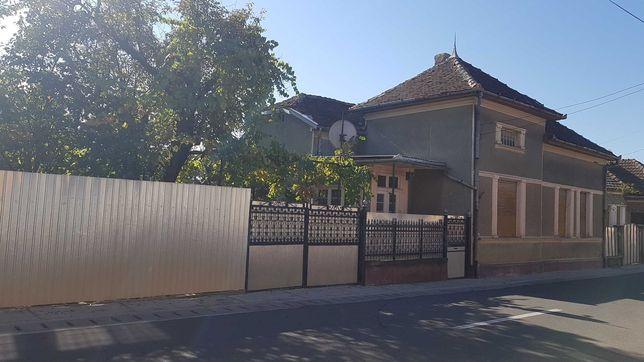 Vând casă în comuna Tinca