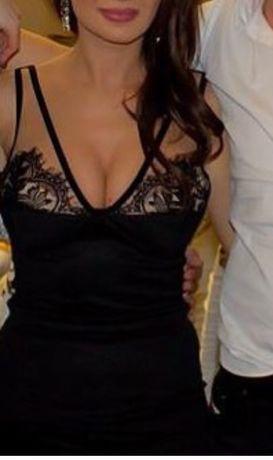 Rochie neagra cu aplicatii dantela