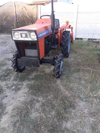 Tractor 4x4 17 cai hinomoto