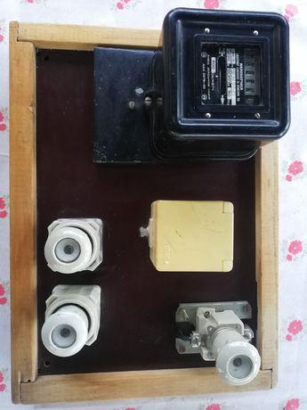 Електрическо подвижно табло и двутарифен електромер