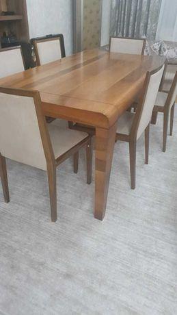 продам дубовый стол в гостинную со стульями