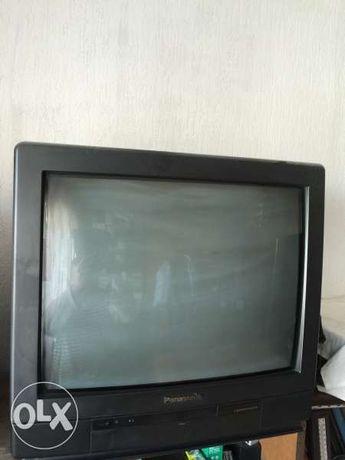 Продавам телевизор Panasonic в идеално състояние