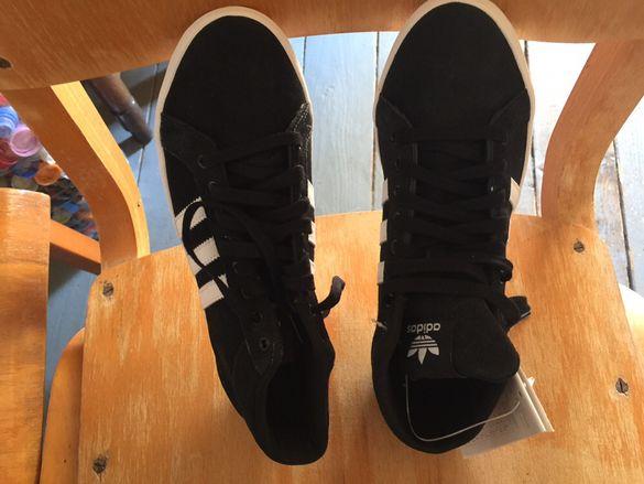 Дамски обувки-адидас