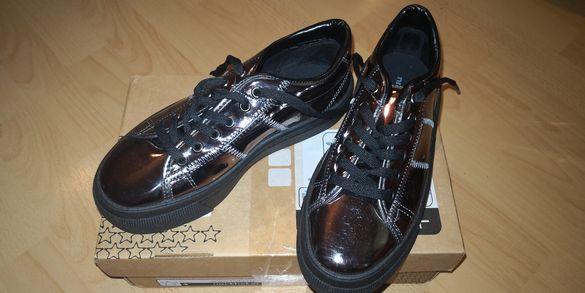 Дамски обувки тип кецове Bata