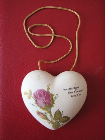 Pendativ (decoratiune) forma de inima ceramica