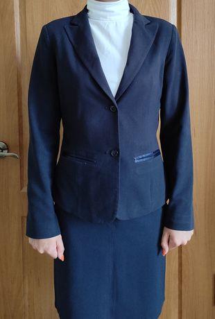 Школьная форма ( юбка+жилет+пиджак) на девочку 14-16 лет, рост 160-164