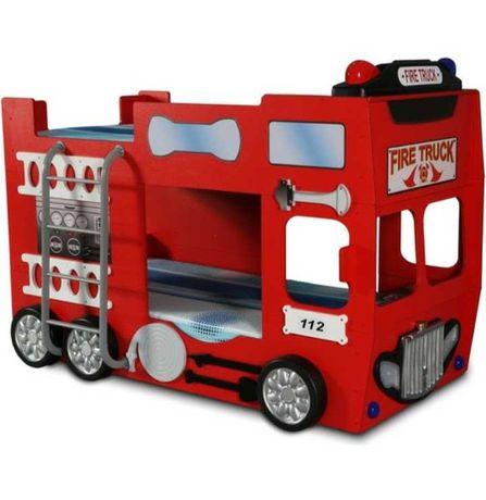 Pat supraetajat masina de pompieri Mc Queen pt micii exploratori