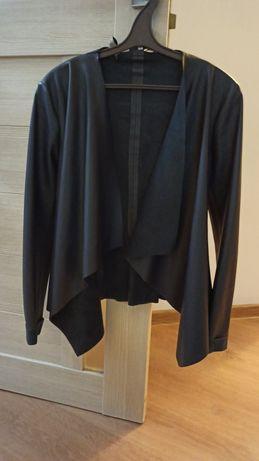 Курточка Zara в хорошем состоянии