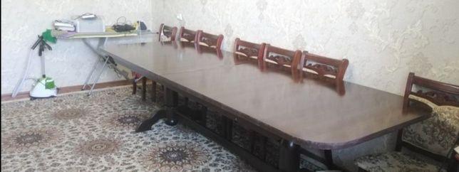 Продается овальный стол