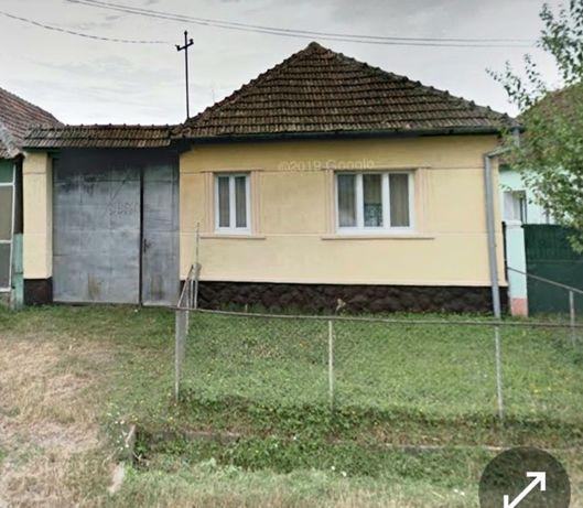 Vând casă individuală la asfalt