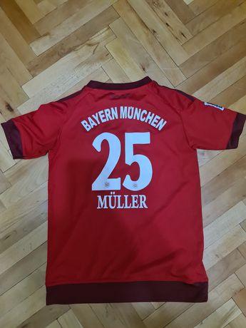 Tricou Bayern Munchen marimea 15-16 ani