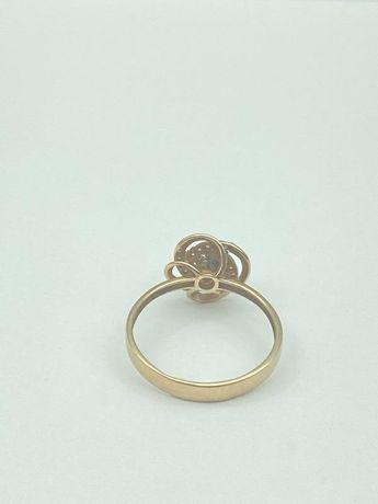 0% Кольцо с камнями , золото 585 Россия, вес 1.94 г. «Ломбард Белый»
