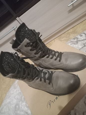 Продам ботинки срочно