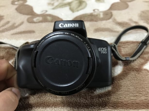 Aparat foto Canon EOS 750