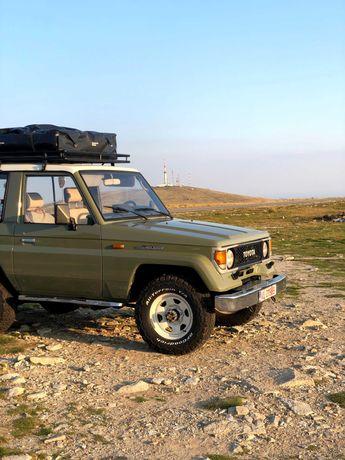 Toyota Land Cruiser - Vehicul Istoric