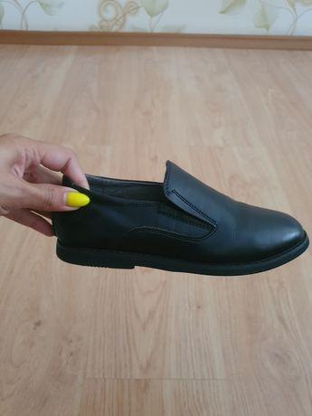 Продам школьные ботинки!