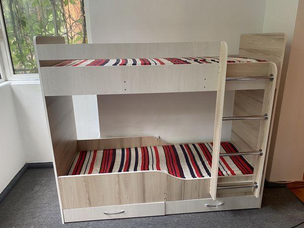 Кровать двухъяростная