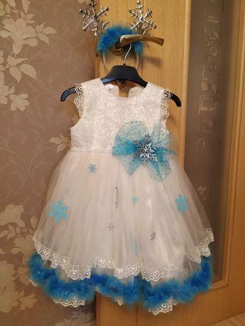 Праздничное детское платье на 3-4 годика