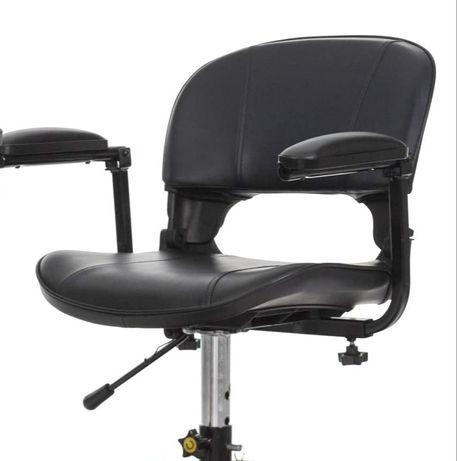 Стол за електрическа триколка