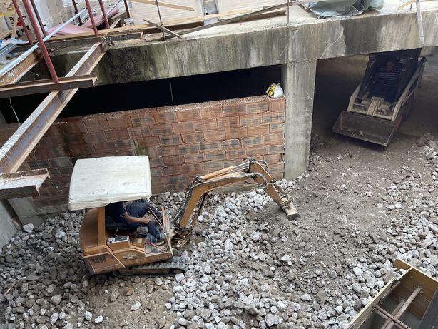 Sapaturi nivelari terasamente fose demolari excavari