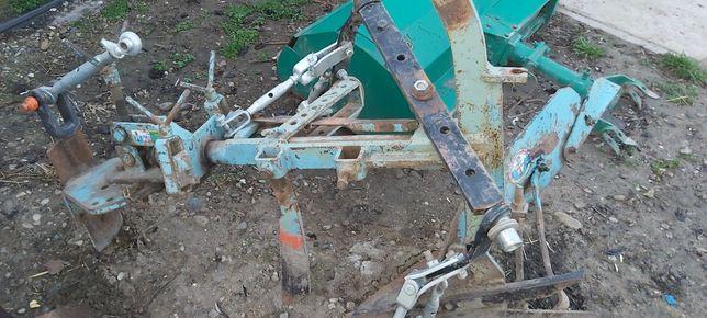 Vand utilaje pentru tractoras 30-35cv