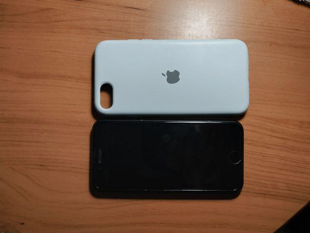Продам iPhone SE 2020 64гб.