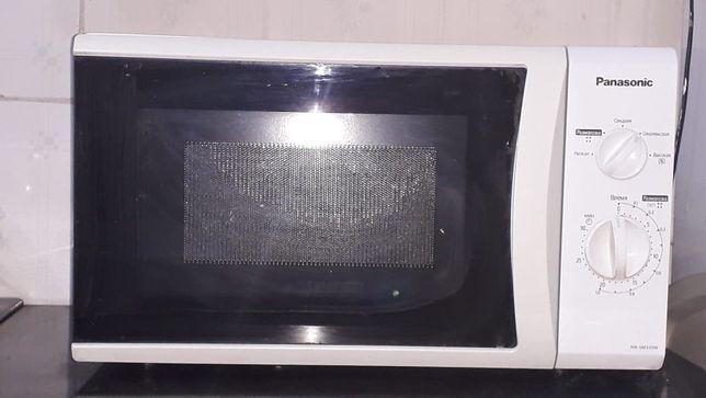 Срочно продам микроволновая печь новый Panasonic белый