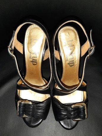 Sandale din piele naturala cu toc si platforma