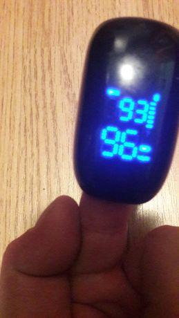 Wireless fingertip pulse oximeter