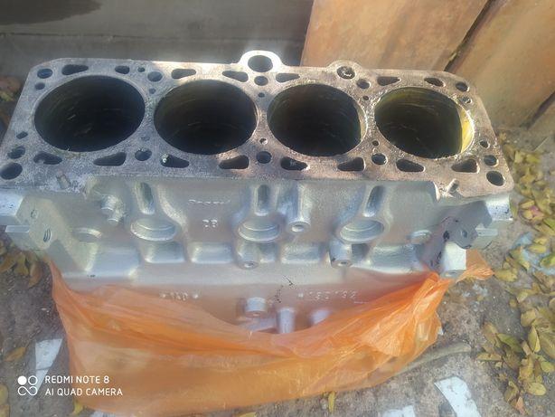Блок двигателя на консервации Фольксваген Пассат В3