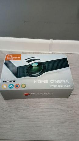 Продам проектор Unic UC40