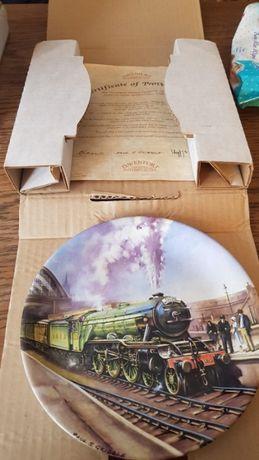 Колекция порцеланови чинии с влакове