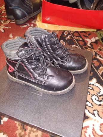 Продам детскую обувь на мальчика