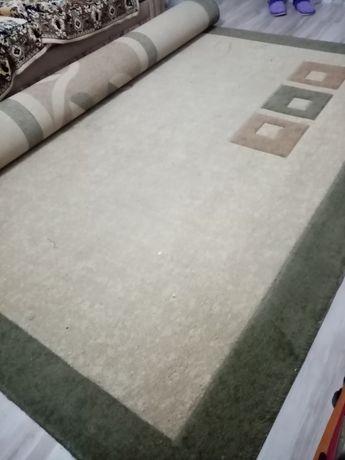 Продаётся ковёр шерстяной