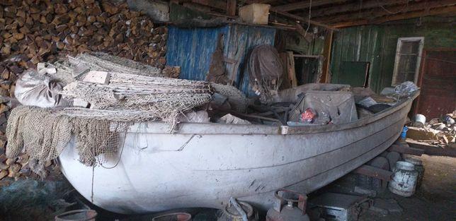 Продам лодку с неводом