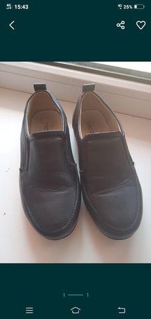 Продам детский кожанные туфли размер 30