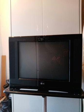 Телевизор LG хороши состояни