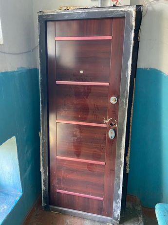 Дверь наружный