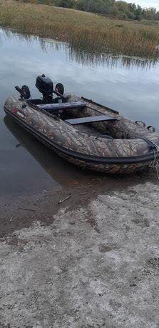Продам лодка Rmarine 3200